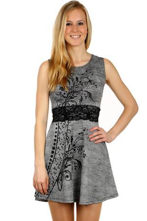 Krátké šaty s kamínkovou aplikací a krajkou  2def72f7ce4