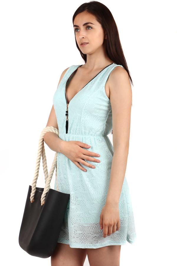 Krátké šaty s ozdobou na zipu  9af0f2d77e