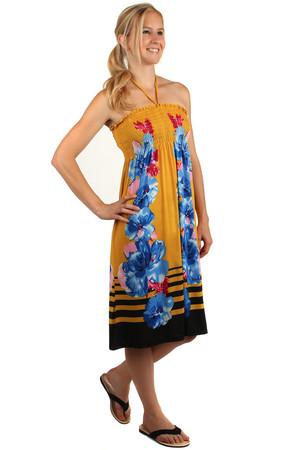 95df5f9e657 Plážové květované šaty s odhalenými zády