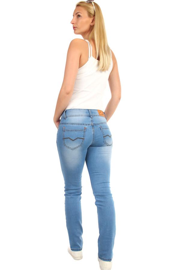 Světle modré dámské džíny s nízkým pasem  1f3347de80