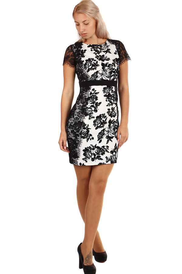 Krátké společenské šaty s květinovým potiskem a krajkou  8665af2e28b