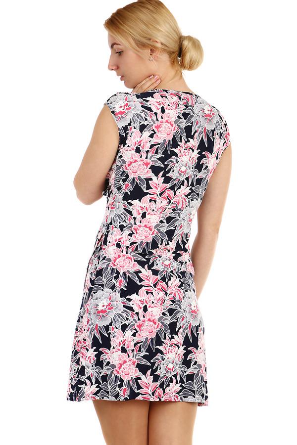 ad3ea1c53c94 Dámské krátké zavinovací šaty s květinami nadměrné velikosti
