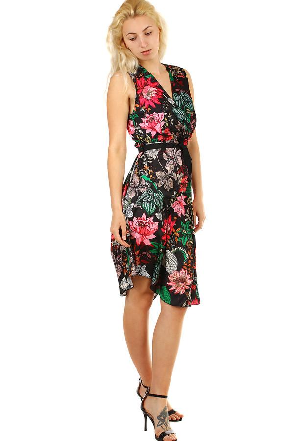 ca1e6e5ecd9 Letní dámské šaty s květinovým vzorem