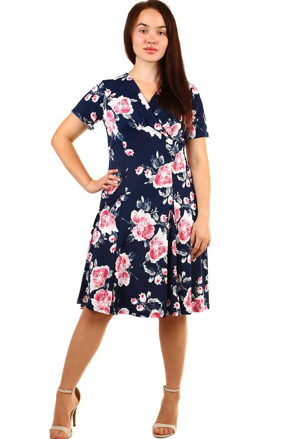 8c6ae99c8579 Krátké dámské květované retro šaty pro plnoštíhlé