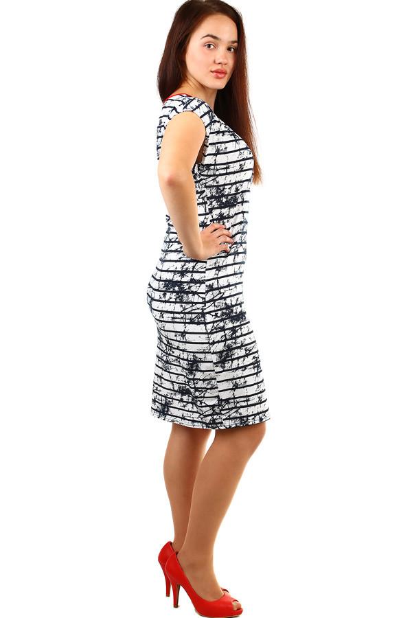 b2e21fb8f3b Elegantní dámské pruhované šaty nadměrné velikosti
