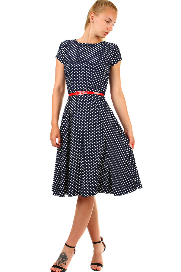 1a625ce43a5 Dámské společenské šaty s puntíky