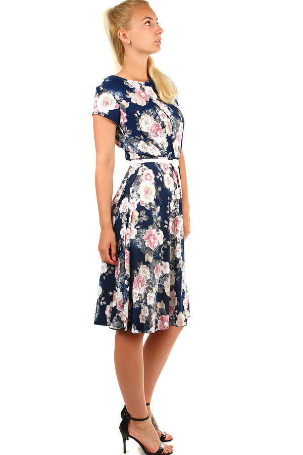 1a6c70de2 Dámské letní retro šaty s květinami | Glara.cz