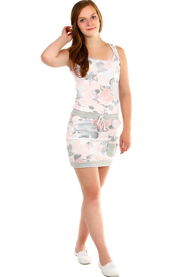 97c6ab43150 Dámské letní květované šaty s kapsami