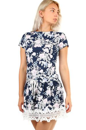 264d5d732ae Letní krátké šaty s květovaným potiskem a krajkou