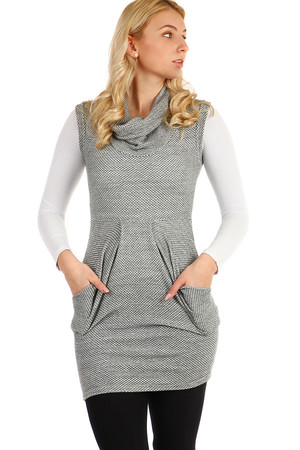 fdb62d4a4c64 Dámské krátké podzimní úpletové šaty s límečkem