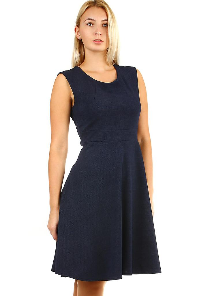 Společenské šaty áčkového střihu  0d68d057fd
