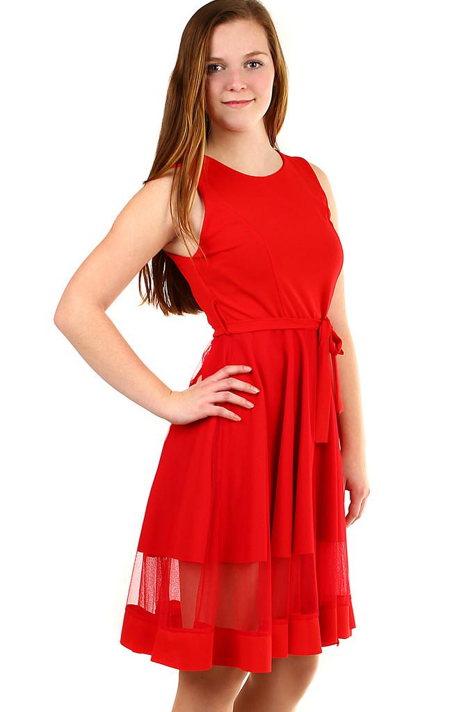 af4b84a55aa Krátké společenské šaty s tylem