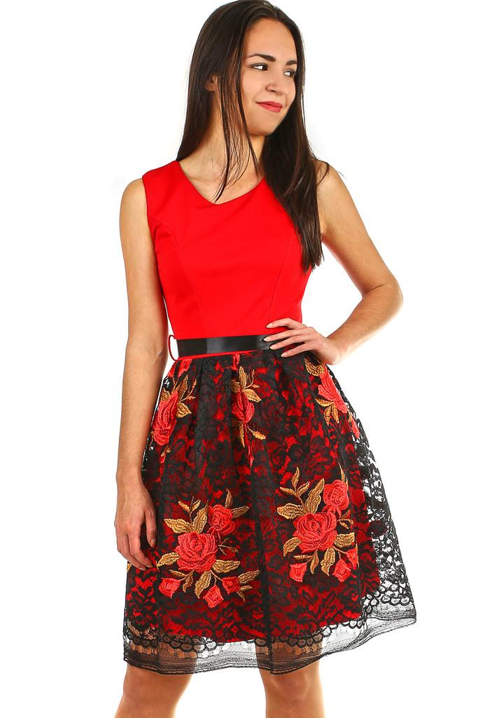 5b625bba62ce Společenské dámské šaty s krajkovou sukní