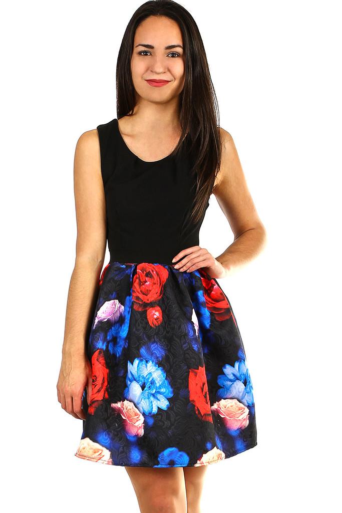 b168ab7d406a Dámské šaty s áčkovou květovanou sukní