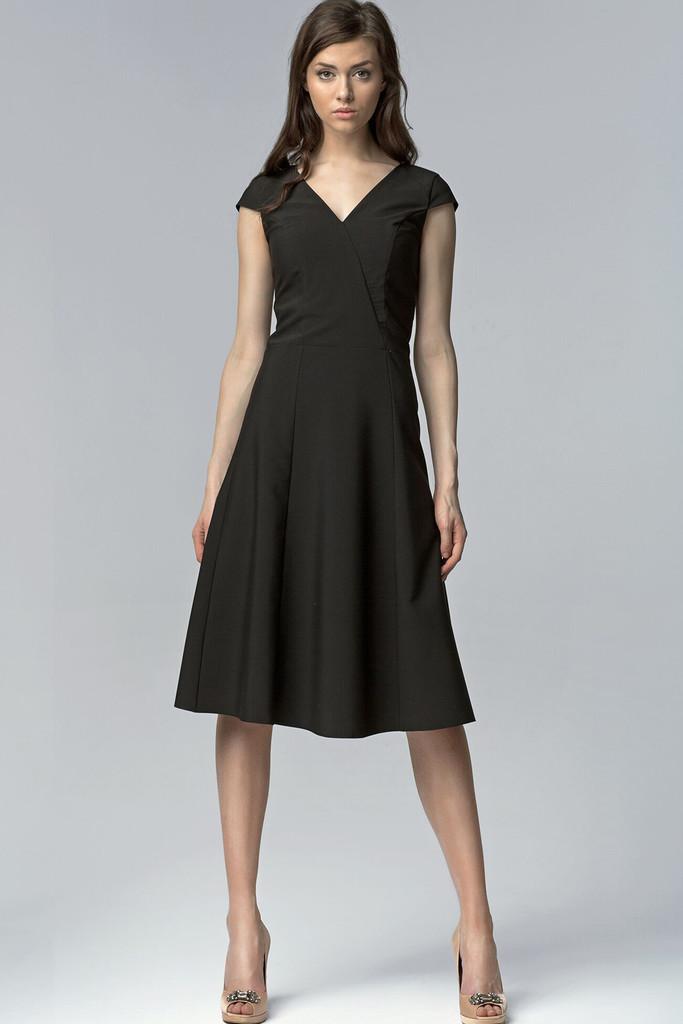 9faf221253d Koktejlové dámské šaty s výstřihem