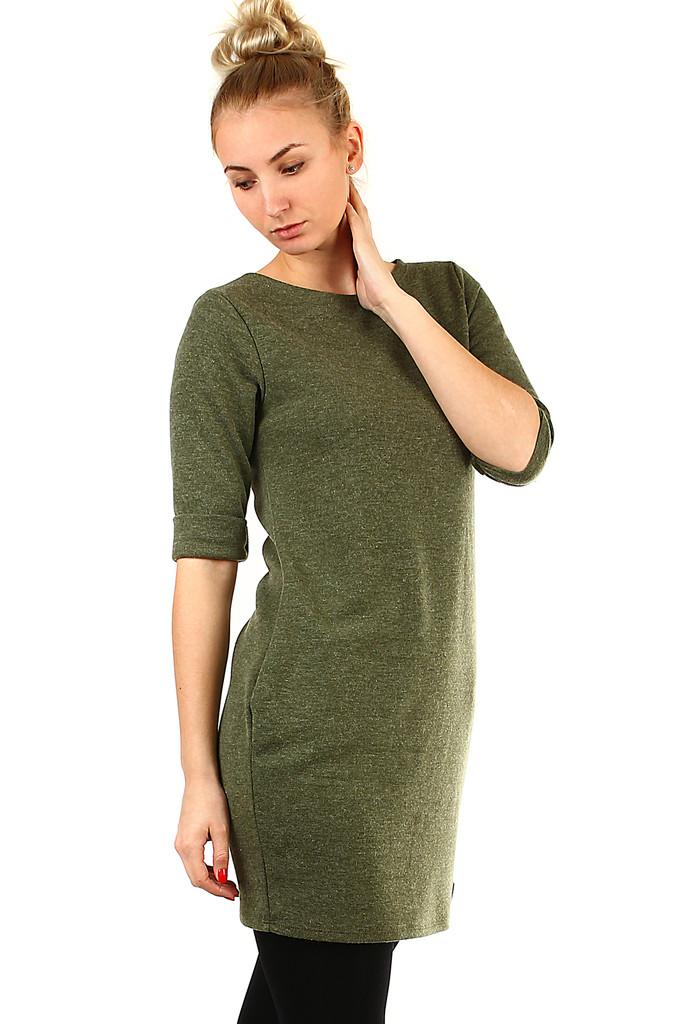 4d033e3f7232 Dámské podzimní úpletové šaty s kapsami