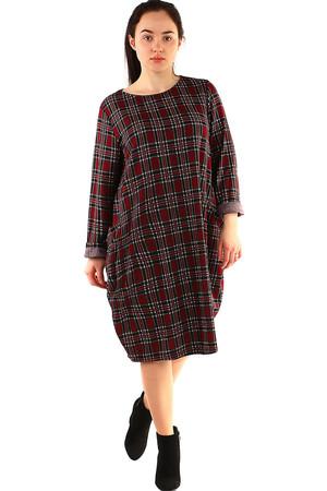 3492c494f708 Dámské oversized kárované šaty