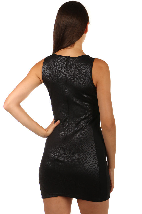 Krátké černé šaty s hadím vzorem  0e72a63b0d